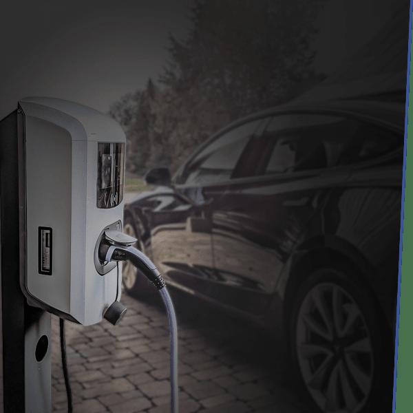 Genießen Sie mit Ihrer firmeneigenen Ladestation und Elektroautos Unabhängigkeit von Tankstellen und flukturierenden Spritpreisen.